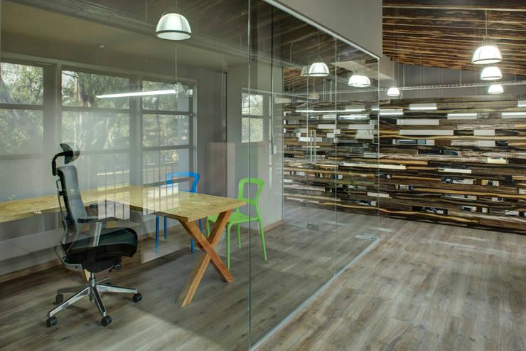 NEXT - RIMA Arquitectura: Estudios y oficinas de estilo  por RIMA Arquitectura