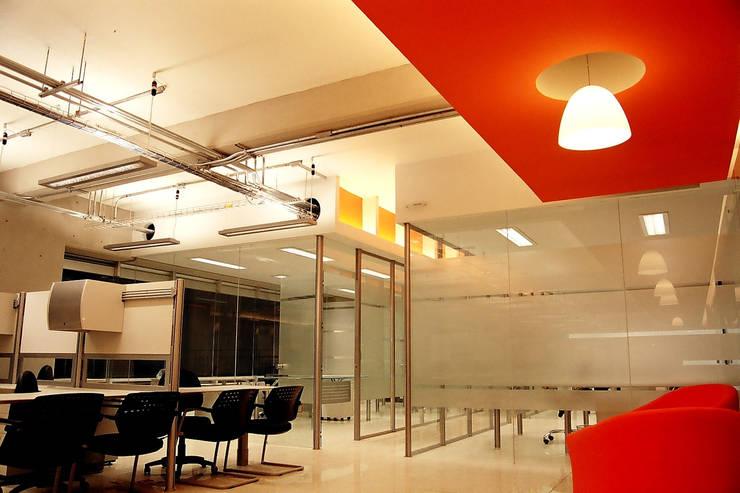 Pitico - RIMA Arquitectura: Estudios y oficinas de estilo  por RIMA Arquitectura