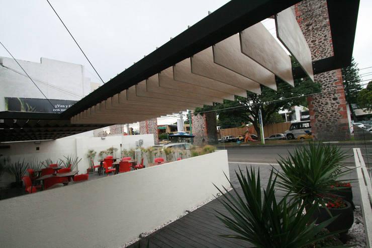 Tierra Media - RIMA Arquitectura: Cocinas de estilo  por RIMA Arquitectura