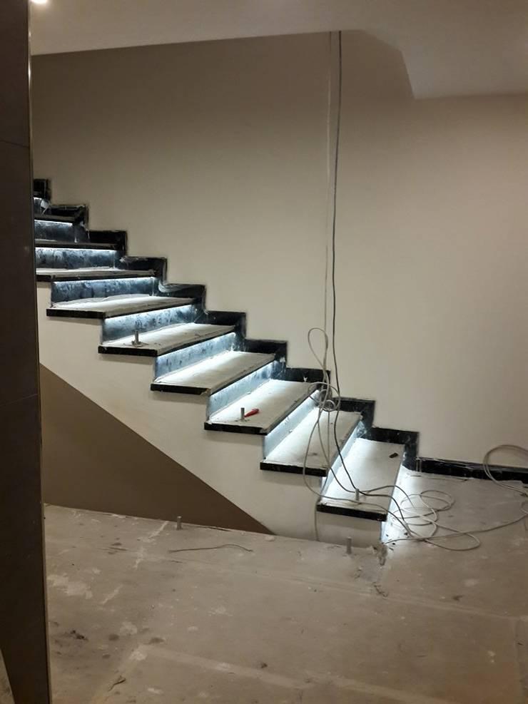 CANSEL BOZKURT  interior architect – Proje Tasarım ve Kontrolörlük:  tarz Koridor ve Hol