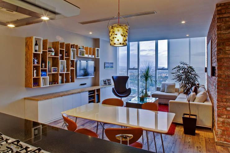 Salas / recibidores de estilo moderno por RIMA Arquitectura