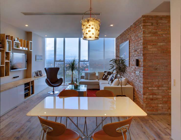 Memo Rojas - RIMA Arquitectura Salones modernos de RIMA Arquitectura Moderno