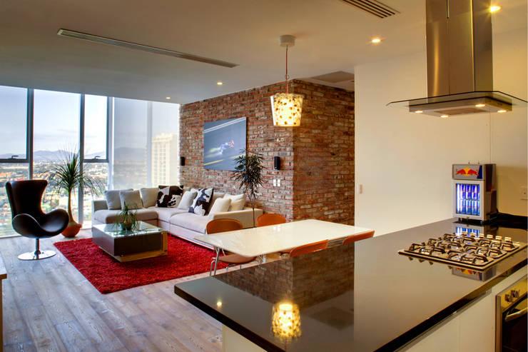 Memo Rojas - RIMA Arquitectura: Salas de estilo  por RIMA Arquitectura
