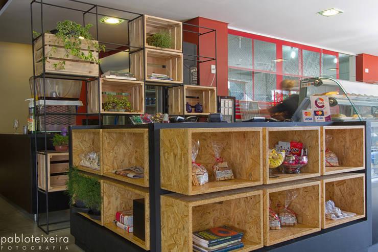 Restaurantes de estilo  por Estúdio Kza Arquitetura e Interiores