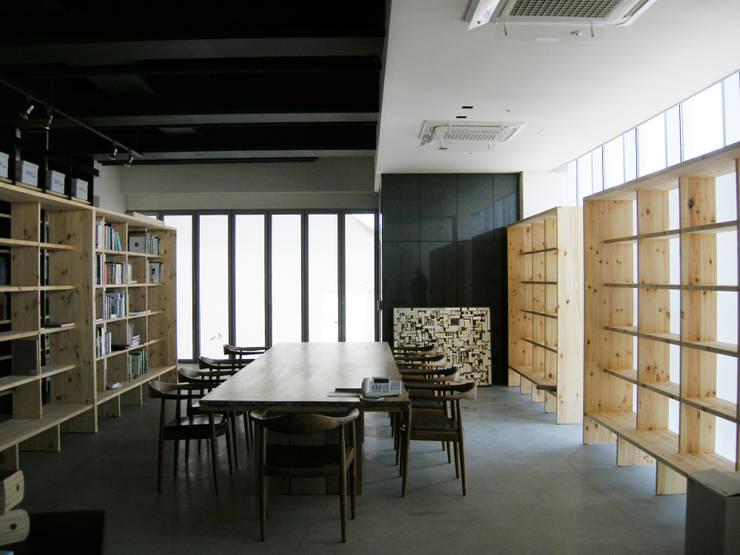 D그룹 부회장실: (주)팀웍디자인의  사무실