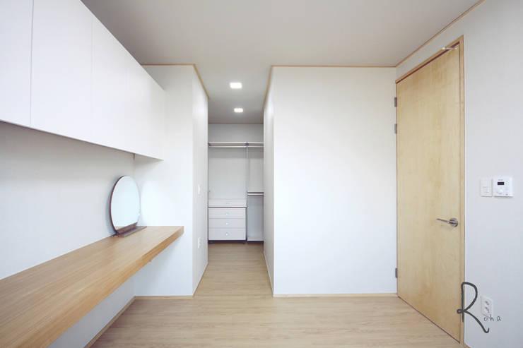 Bedroom by 로하디자인