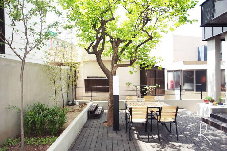 Projekty,  Ogród zaprojektowane przez 로하디자인