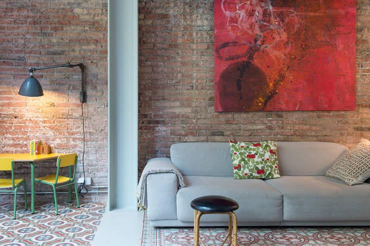 Vivienda bajos Madrazo: Salones de estilo moderno de MIRIAM CASTELLS STUDIO
