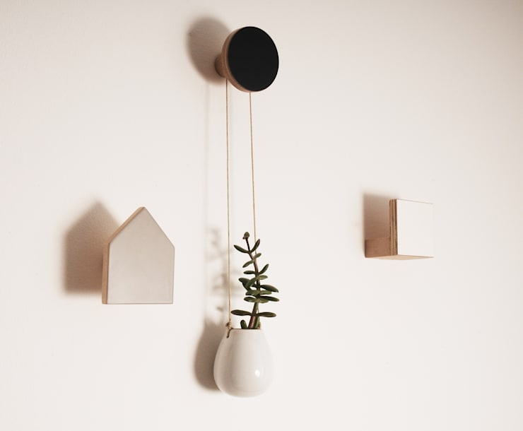 WOODEN WALL HOOKS, SQUARE DESIGN, PLAIN COLOURS:  Living room by chocolate creative