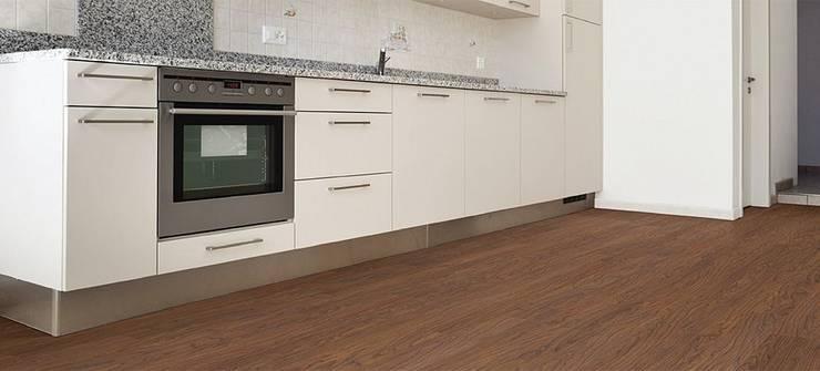 Luxury Vinyl Floor 3mm: Paredes y pisos de estilo  por THE FLOORING COMPANY S.A