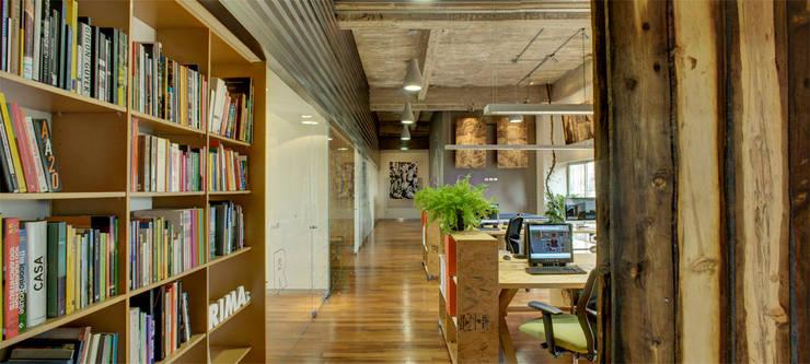 RIMA Oficinas - RIMA Arquitectura: Estudios y oficinas de estilo  por RIMA Arquitectura