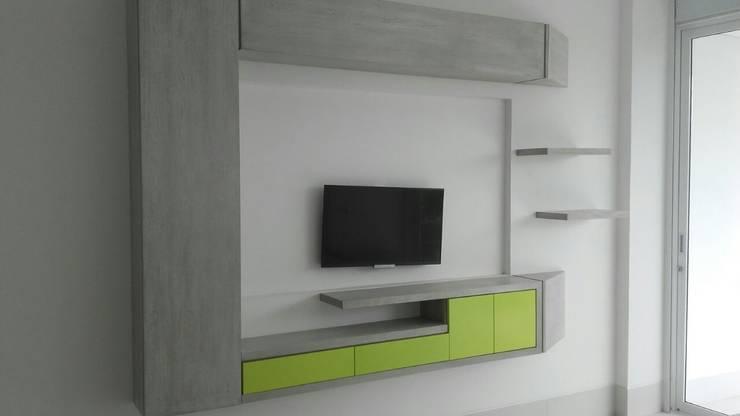 PROYECTO MOBILIARIO. MUEBLES ESPECIALES HOGAR: Salas de estilo  por La Carpinteria - Mobiliario Comercial