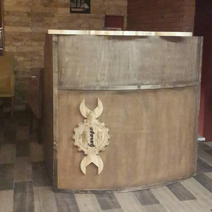 Deco Wood Butik Tasarım Atölyesi – Garage cafe kasa bankosü:  tarz İç Dekorasyon