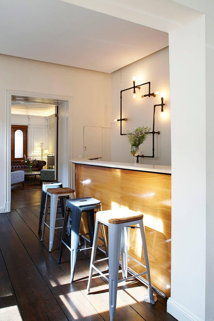 dga – Berlin'de bir Ofis Tasarımı:  tarz Mutfak, Modern