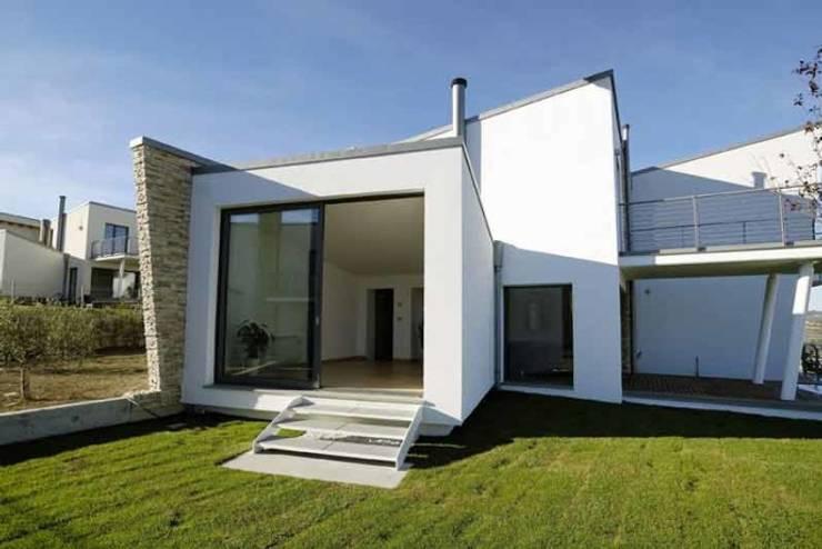 Moderne Häuser von POMP0NI ASSOCIATI SRL Modern