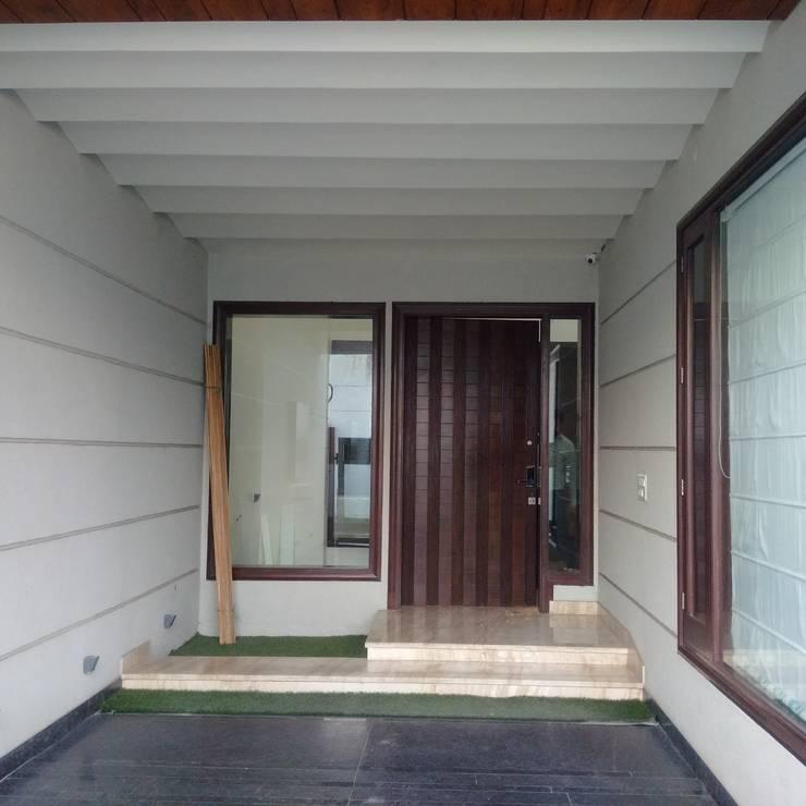 Residence For Mr Akshdeep S: modern Garage/shed by H.S.SEHGAL & ASSOCIATES