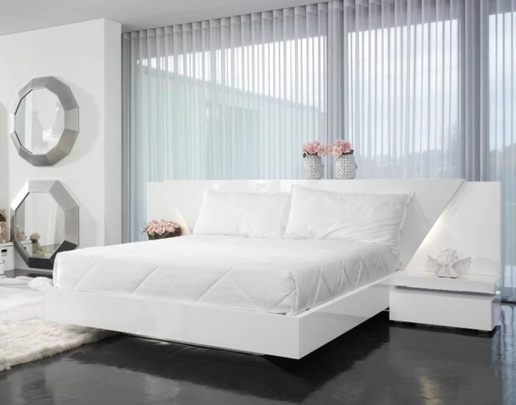 Mobiliário de quarto  Bedroom furniture www.intense-mobiliario.com  DIMITRI http://intense-mobiliario.com/pt/quartos/1036-quarto-dimitri.html: Quarto  por Intense mobiliário e interiores;