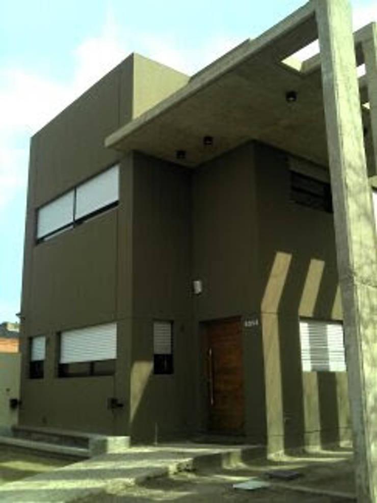 Casa Rozzi - Iglesias: Casas de estilo  por Emiliana Iglesias Arquitecta