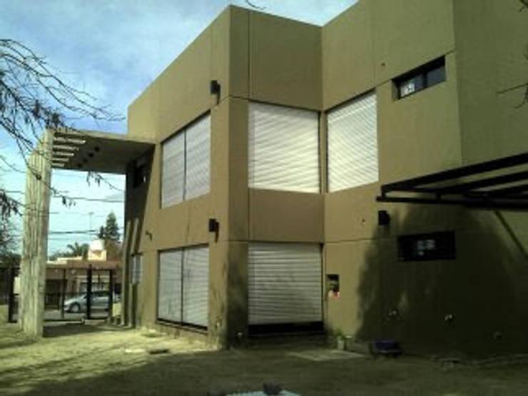 Casa Rozzi – Iglesias: Casas de estilo  por Emiliana Iglesias Arquitecta