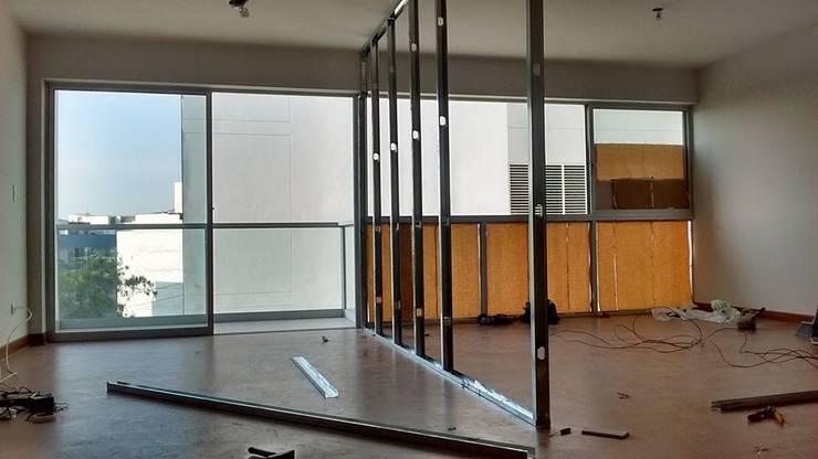 TRABAJOS EN DRYWALL: Dormitorios de estilo  por VyMarquitectos