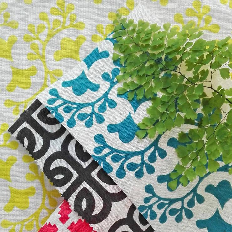Tecidos estampados à mão: Casa  por Pandan Studio