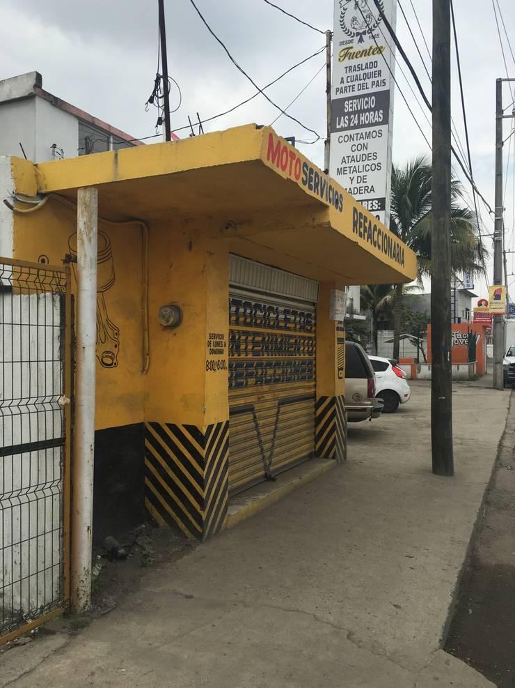 Acondicionamiento de un laboratorio Clínico :  de estilo  por Luis Pacheco arquitecto