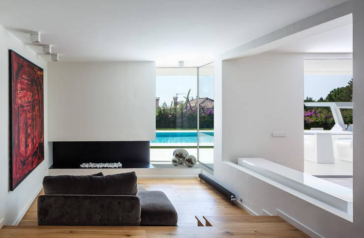 Projekty,  Salon zaprojektowane przez Simon Garcia | arqfoto