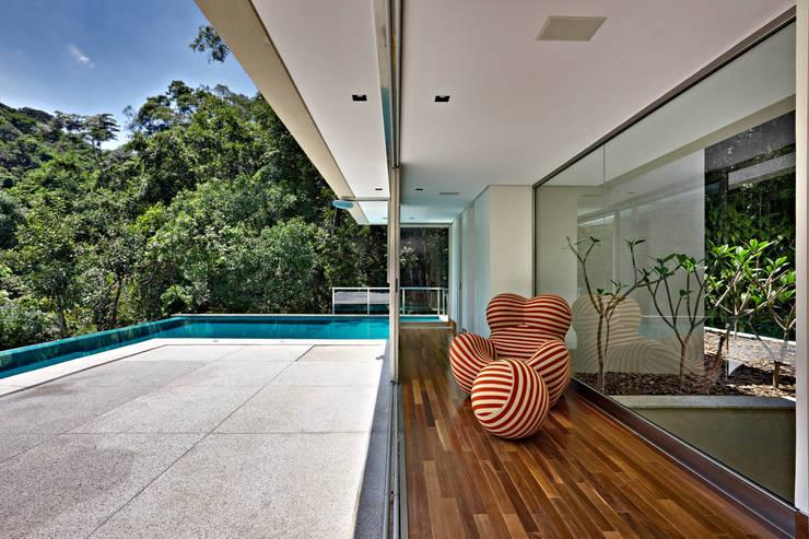 Patios & Decks by Lanza Arquitetos