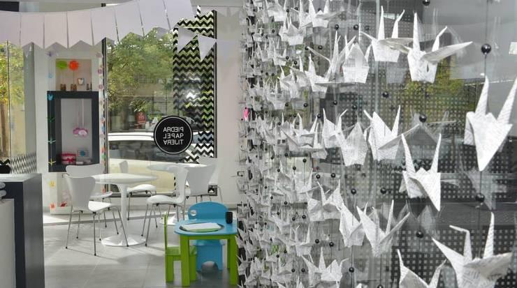 Local Comercial Piedra Papel y Tijera : Galerías y espacios comerciales de estilo  por Raizar Arquitectura y Paisajismo,Moderno