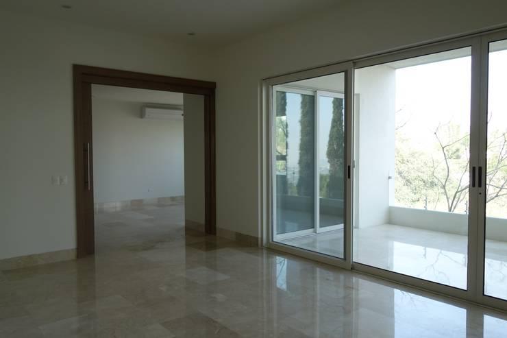 Residencias LV : Salas de estilo  por CH Proyectos