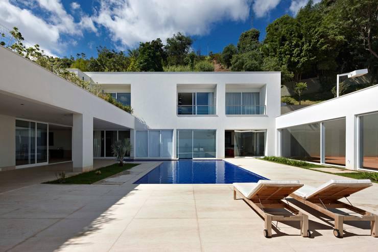 مسبح تنفيذ Lanza Arquitetos