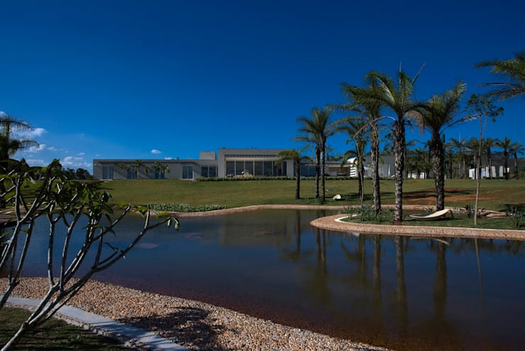 Casa Vila do Perpétuo: Casas  por Lanza Arquitetos