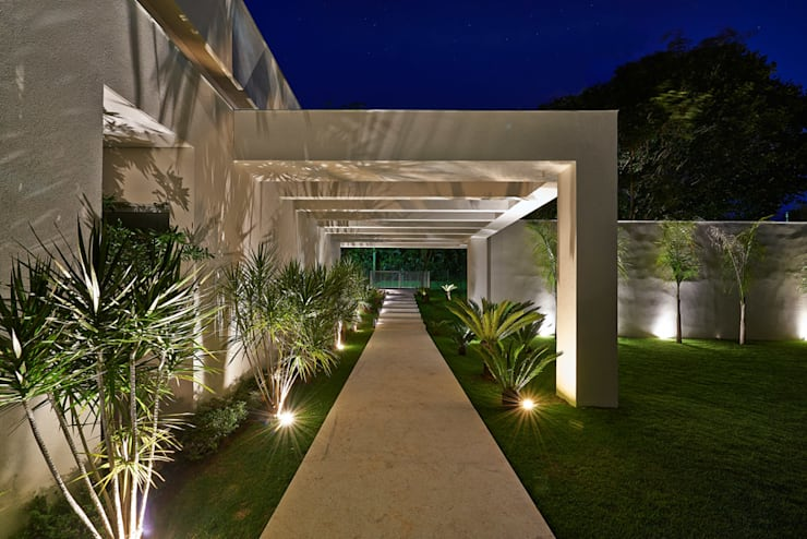 Houses by Lanza Arquitetos
