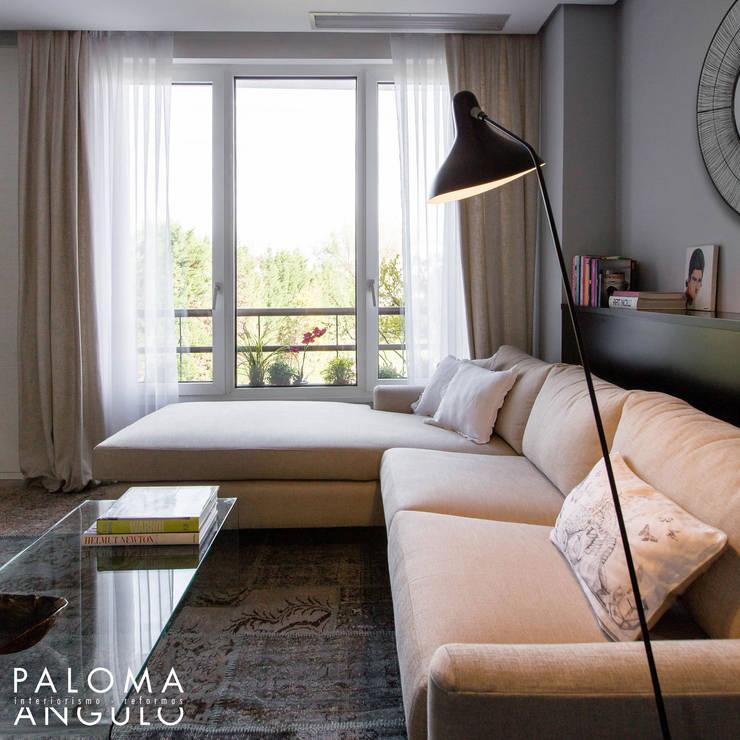 Гостиная в . Автор – Interiorismo Paloma Angulo, Модерн