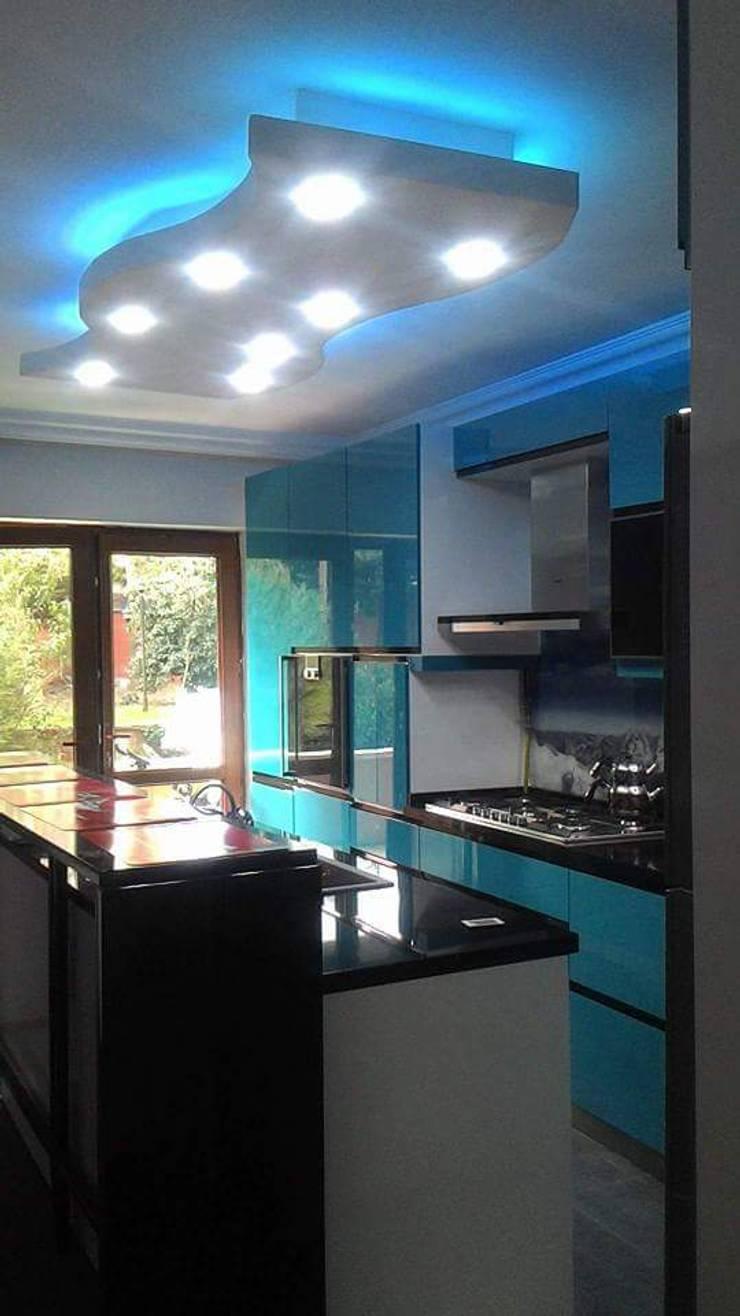 Ağaoğlu Mimarlık Mobilya – Mutfak Dolabı:  tarz