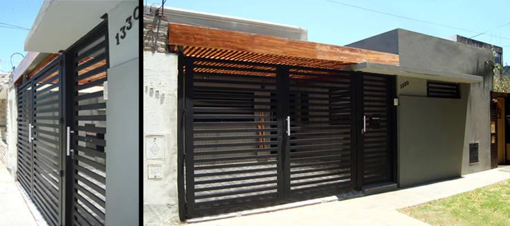 Casas  por ELVARQUITECTOS,