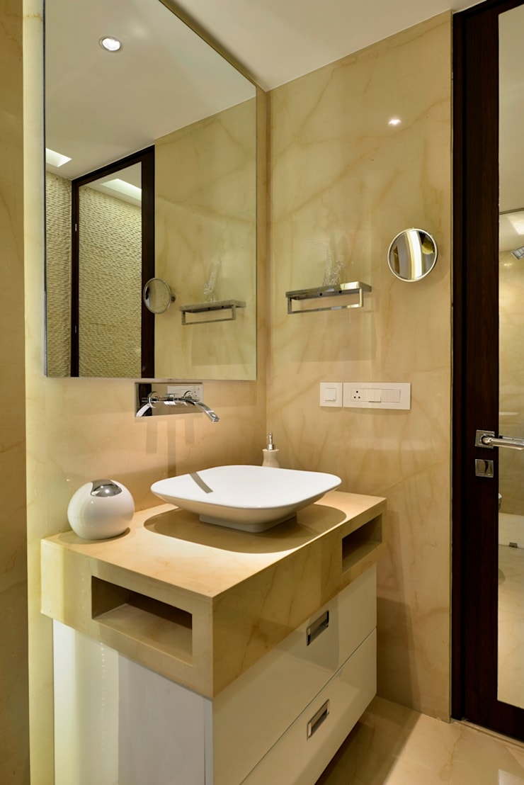 4 Bed Apartment Interior: minimalistic Bathroom by Aum Architects