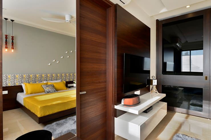 4 Bed Apartment Interior: minimalistic Bedroom by Aum Architects
