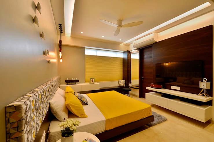 4 Bed Apartment Interior:  Bedroom by Aum Architects