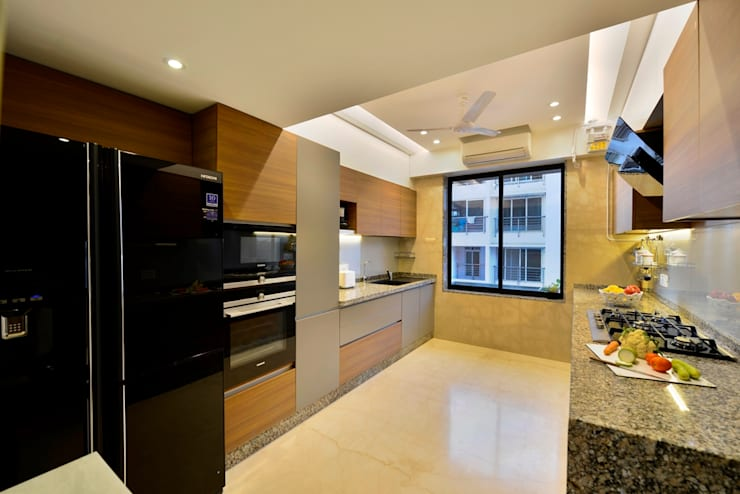 4 Bed Apartment Interior:  Kitchen by Aum Architects