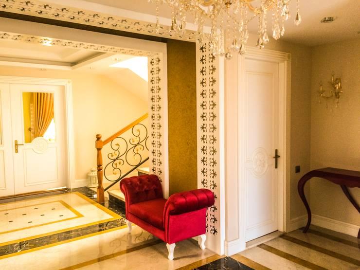 YASEMİN ALTINOK MİMARLIK – F.Ö. Evi:  tarz Koridor, Hol & Merdivenler