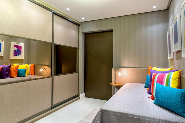 Modern style bedroom by Bruno Sgrillo Arquitetura Modern