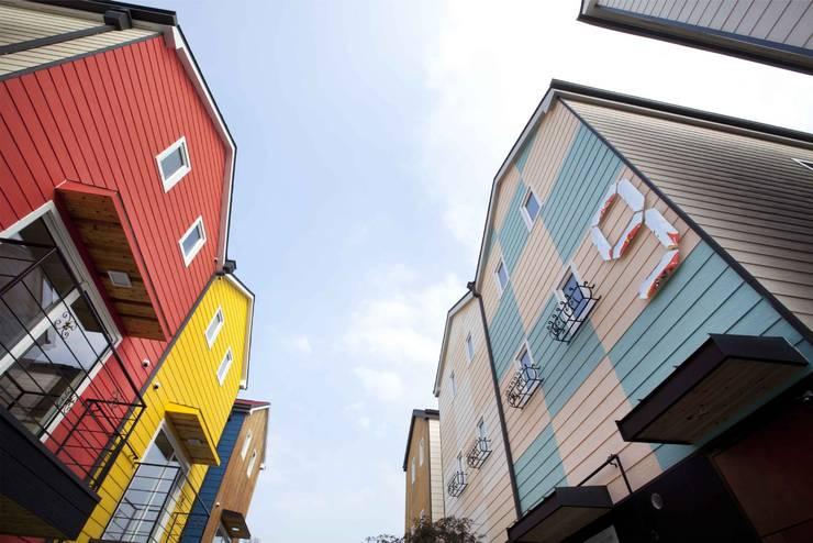 땅콩집_오산 양산: 스투디오 테이크의  주택,모던 우드 우드 그레인