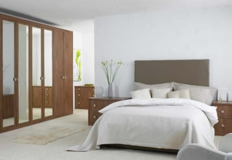Guest Bedroom Minimalist bedroom by GSI Interior Design & Manufacture Minimalist