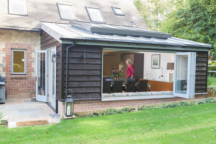 Tuin door Hampshire Design Consultancy Ltd.