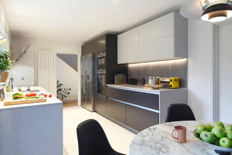 廚房 by Paul Langston Interiors