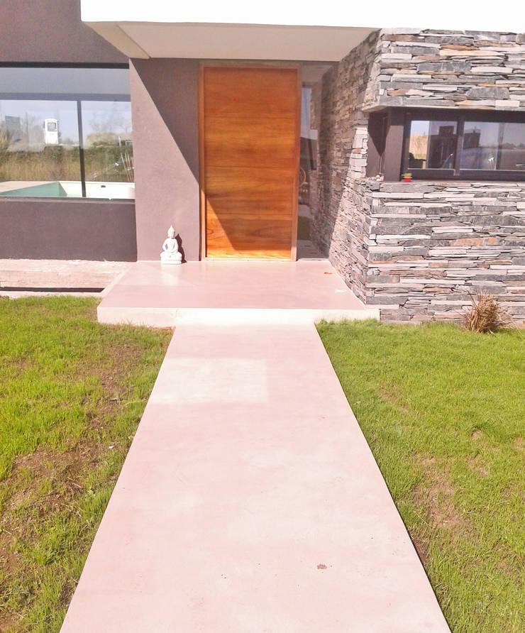 Casa M2 – Estudio Fernandez+Mego: Casas de estilo  por Estudio Fernández+Mego,