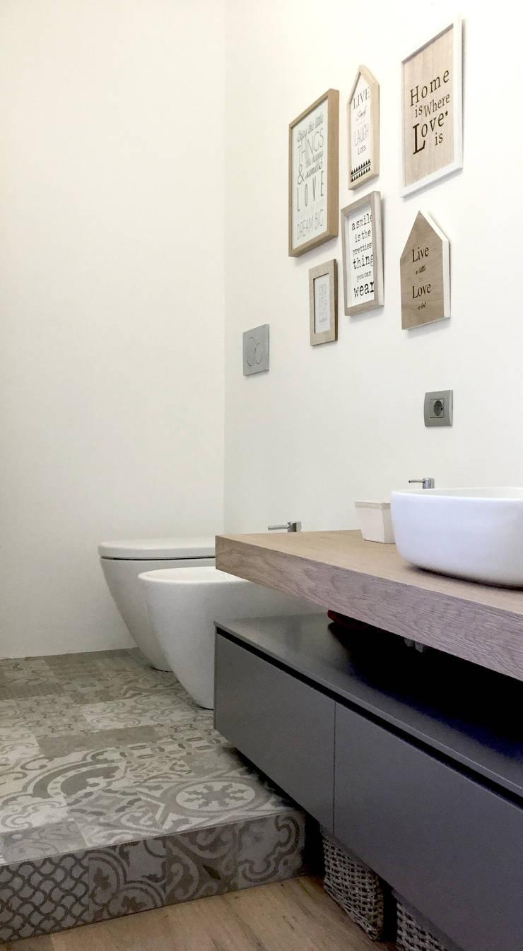 Baños de estilo  por Moodern, Ecléctico