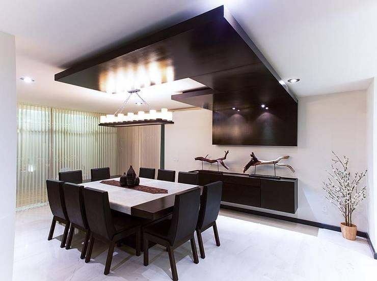 Interiorismo y diseño de mobiliario.: Comedor de estilo  por Besana Studio