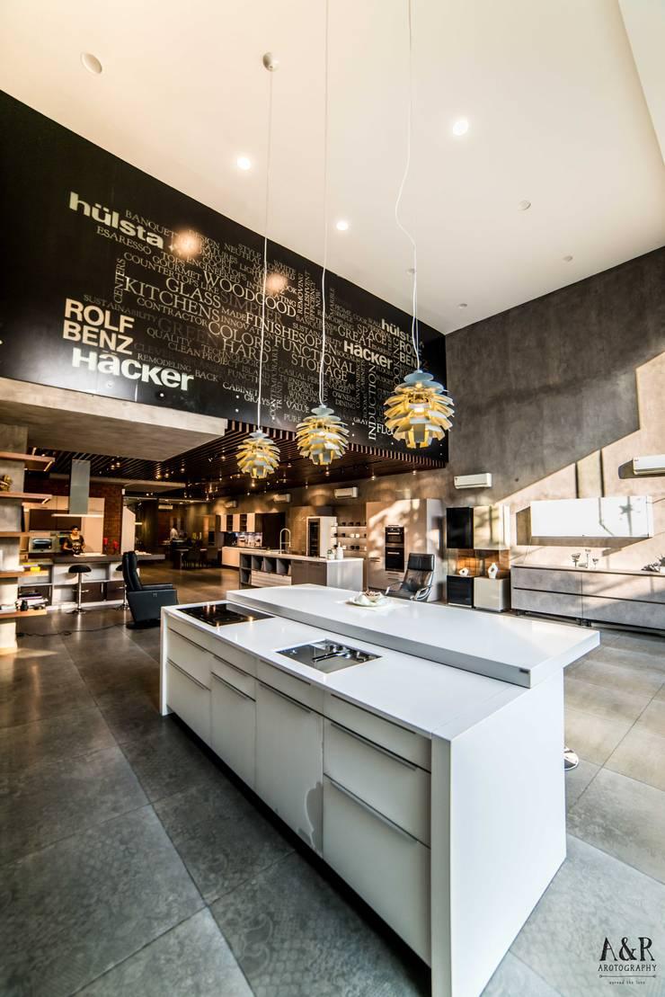 Hyderabad Showroom:  Kitchen by Hacker Kitchen